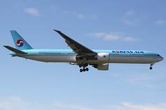 HL7783 | Boeing 777-3B5ER | Korean Air (cv880m) Tags: london heathrow uk gb lhr airliner airline aircraft airplane jetliner airport aviation hl7783 boeing 777 773 777300 7773b5 kal korean korea koreanairlines koreanair triple7 tripleseven