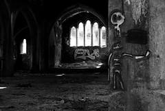 Ffenestr y Dwyrain, Eglwys Sant Luc, Aber-carn (Rhisiart Hincks) Tags: eastwindow ue eu ewrop europe eòrpa europa aneoraip a'chuimrigh kembra wales cymru kembre abercarn santluc saintlukes dirywiad dirywio dadfeilio decay warziskar beheraldi abandoned gadawedig dilezet utzita abandonment tywyll teñval ilun sombre dark dorcha graffiti pensaernïaeth arkitektura architecture adeiladouriezh tisavouriezh ailtireachd ailtireacht pennserneth empty gwag goullo falamh huts folamh buit leeg duagwyn gwennhadu dubhagusgeal blackandwhite bw zuribeltz blancetnoir blackwhite