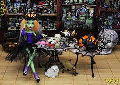 №588. 3D-pen. Witch Furniture (OylOul) Tags: oyloul 2018 q4 nov 3dpen 16 miniature furniture monster high doll create cam custom