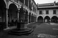 Novara - Il Broletto (fabrizio_buoso) Tags: visitpiedmontitaly piemonte biancoenero bw bianconero blackwhite blackandwhite monocromo novara