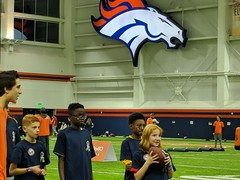 2018_T4T_Denver Broncos Play 60 Clinic 25 (TAPSOrg) Tags: taps tragedyassistanceprogramforsurvivors teams4taps denverbroncos englewood colorado nfl salutetoservice football play60 2018 military indoor horizontal kids children player candid group