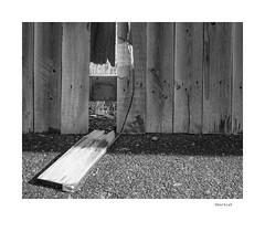 Shortcut (agianelo) Tags: wooden fence broken monochrome bw bn blackandwhite