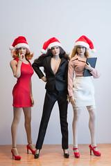 2018 Phicen/TBLeague Advent Calendar - Day 17 Outtake (edwicks_toybox) Tags: 16scale acplay gactoys hotplus tbleague blonde brunette businesssuit eyeglasses femaleactionfigure flirtygirl magiccube phicen redhead santahat seamlessbody zytoys