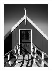 Volendam II (ximo rosell) Tags: bn blackandwhite bw buildings arquitectura architecture abstract abstracció holanda llum luz light squares amsterdam monocromático edificio cielo ximorosell