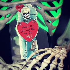 Make no bones about it. (luvehorror) Tags: vintagevalentines vintagevalentine monstervalentine skeleton makenobonesaboutit oldvalentines monstervalentines skeletonvalentine halloween vintagehalloween