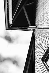 forme au cirque (Rudy Pilarski) Tags: nikon nb bw bâtiment building architecture architectura abstract abstrait architectural sky nuage city ciudad ciel cloud france francia europe europa look up forme géométrie geometry geometria urbano urban urbain moderne monochrome bagneux minimal minimalism minimalist minimalisme