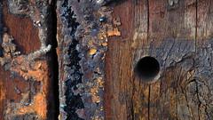Zaunbohlen (1elf12) Tags: zaun fence germany deutschland braunschweig smileonsaturday shadesofbrown