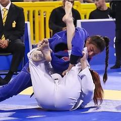 Bjj Female (BLLLCCC) Tags: bjj baresoles soles solas feet pés descalça chulé jiujitsu technique pressure pressão pain painful mat tatame fight luta sport deporte esporte martialarts gi kimono