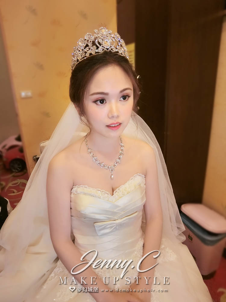 【新秘蓁妮】bride佳佳 宴客造型 /大里大和屋