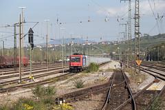 Raildox 482 048 + 185 637 Weil am Rhein (daveymills37886) Tags: raildox 482 048 185 637 weil am rhein baureihe bombardier traxx cargo
