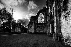 St. Mary's Abbey (Derwisz) Tags: york northyorkshire unitedkingdom stmarysabbey abbey church ruins medieval gothic blackwhite blackandwhite monochrome mono canoneos40d england