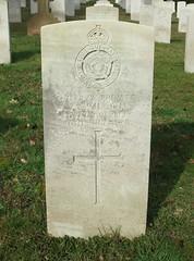 Private A. Wilson (Living in Dorset) Tags: wargrave wardead grave headstone wwi aldershotmilitarycemetery aldershot hampshire england uk gb 1919 awilson
