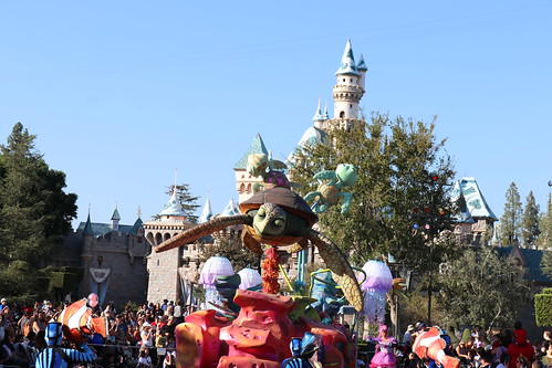 """Finding Nemo - Pixar Play Parade • <a style=""""font-size:0.8em;"""" href=""""http://www.flickr.com/photos/28558260@N04/44226122790/"""" target=""""_blank"""">View on Flickr</a>"""