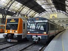 Barcelona Estació de França... (enric436) Tags: renfe rodalies cercanias regional barcelonaestaciódefrança 451008m 470103m barcelonalleida