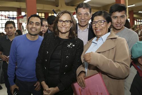 LA PRESIDENTA DE LA ASAMBLEA NACIONAL, ELIZABETH CABEZAS, RECORRE LOS BARRIOS CERCANOS AL PALACIO DE LA LEGISLATURA, QUITO 19 DE NOVIEMBRE DEL 2018