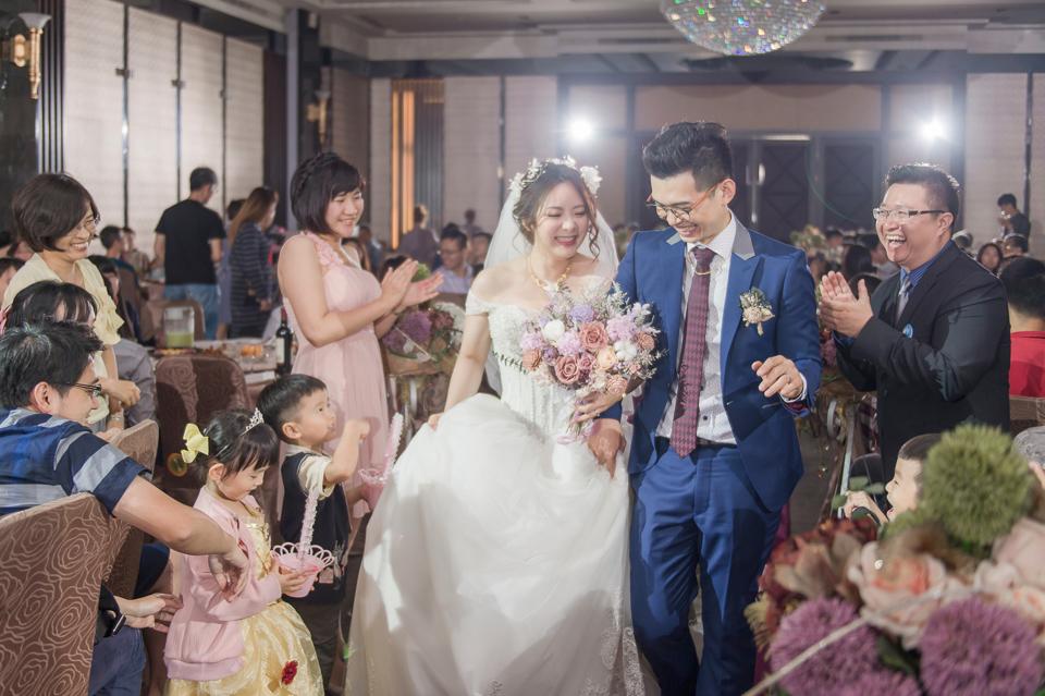 台南東東宴會式場 婚宴 走在幸福的紅毯上 R & B 118