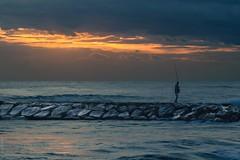 Pinedo (*Nenuco) Tags: amanecer valencia jesúsmr pinedo pescador hombre mar sea nubes sol sun nikon d500 tamron 70300