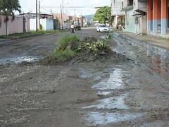 Colocación de material en calles (gadchone20092014) Tags: colocación material calles