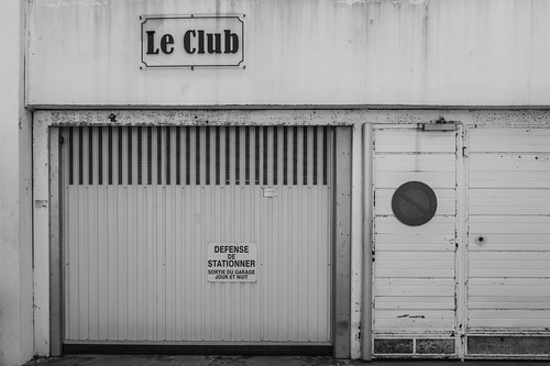 Le Club, form and content in harmony