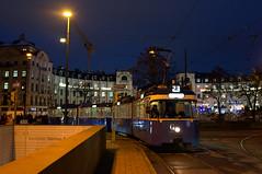 Noch auf Ausrückfahrt: P-Zug 2006/3004 erreicht auf der Fahrt zum 23er den Stachus (Frederik Buchleitner) Tags: 2006 3004 linie23 munich münchen pwagen strasenbahn streetcar tram trambahn