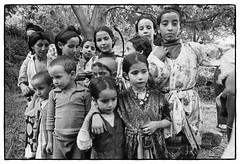 82208_27 Celebrating the end of Ramadan, central High Atlas, Morocco, 1982 (Wolfgang_Kraus) Tags: morocco maroc marokko atlas mountains analog hautatlas imazighen berber aidessghir aidelfitr film ilford hp5 id11 pentax mx smcpentaxm monochrome schneiderkreuznach 11 xenon zirconia k1 dslr scanning line scan industrial lens piplkan
