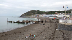 Aberystwyth beach (Helen in Wales) Tags: aberystwyth beach jetty wales constitutionhill