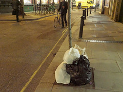 20190115T17-11-43Z (fitzrovialitter) Tags: england gbr geo:lat=5151868000 geo:lon=014019000 geotagged oxfordcircus unitedkingdom westendward peterfoster fitzrovialitter city camden westminster streets urban street environment london fitzrovia streetphotography documentary authenticstreet reportage photojournalism editorial daybyday journal diary captureone olympusem1markii mzuiko 1240mmpro microfourthirds mft m43 μ43 μft ultragpslogger geosetter exiftool rubbish litter dumping flytipping trash garbage