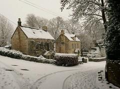 Painswick (jacquemart) Tags: gloucestershire citswolds snow winter painswick blizzard