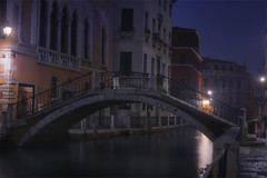 Venetian paths 127 (Ponte de le Maravegie) (Maurizio Fecchio) Tags: venice venezia italy italia city cityscape morning sunrise lights travel nopeople longexposure canal bridge water tranquility architecture reflections nikon d7100