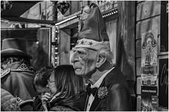 Bâle_5766BW (Luc Barré) Tags: noël alsace bw extérieur outdoor visage marché blackwhite portrait portraits noiretblanc bâle suisse