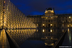 Le Louvre.jpg (gtaveira) Tags: france luademel ndfilter reflection longexposure louvre clouds lights blue paris travel twilight honeymoon postcards landscape water night 7d sky