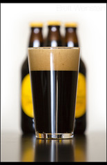 1759 (Nrbelex) Tags: guinness guinnessforeignextra foreignextra beerbottle bottle guinnessbottle 1759 head canon dslr 5dmkiii nrbelex ef70200mm 70200mm 70200mmf28 canon70200f28l 5diii
