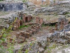 Yacimiento. Callejón de las Termas (Conimbriga, Portugal) (Juan Alcor) Tags: yacimiento callejon travessa termas ruinas romanas romano portugal conimbriga