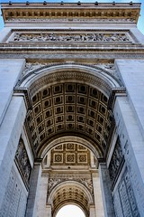 Arc de Triomphe (1/2) (joanne clifford) Tags: xf1855 fujifilmxt20 unknownsoldier remembrance memorialflame napoleonicwars napoleon france paris champsélysées louisphilippe architects architecture arch triumphantarch arcdetriomphe