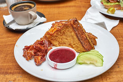 Bruch (Thanathip Moolvong) Tags: food brunch french toast bacon
