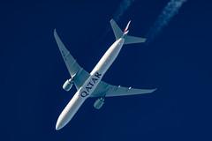 Qatar Airways Boeing 777-3DZ(ER) A7-BAW (Thames Air) Tags: qatar airways boeing 7773dzer a7baw contrail telescope dobsonian contrails overhead vapour trail