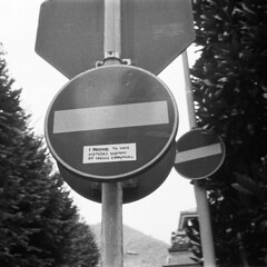 Nothing? (sirio174 (anche su Lomography)) Tags: adesivi nothing messaggio message adesivo como italia italy attaccato