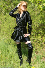 Domina in the woods (sexyrainwear_dot_online) Tags: vinyl pvc latex leather lack leder boots overkneeboots overknees lackundleder lackleder lackmantel vinylcoat vinyljacket vinylskirt pvcskirt lackjacke lackstiefel