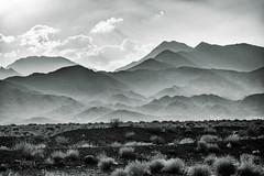 Montañas (marianobs) Tags: sony dscrx100 montañas paisaje landscape bn perspectiva contraste irán nubes cielo