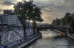 "Seine • <a style=""font-size:0.8em;"" href=""http://www.flickr.com/photos/45090765@N05/46041789522/"" target=""_blank"">View on Flickr</a>"