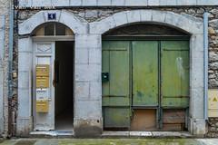 Rue du Parc, Montréjeau (Ivan van Nek) Tags: france facade nikon frankreich frankrijk 31 doorsandwindows gevel nikond3200 occitanie hautegaronne midipyrénées d3200 ramenendeuren derailinator mysteriousplacewithnoname