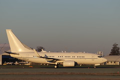 USAF Boeing C-40B (737-7FD(BBJ)) 02-0042, arrival CBG (robertetienne) Tags: usaf boeing c40 737 clipper cambridgeairport 020042 aircraft airplanes jets military aviation