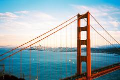 200-R1-068-32A (elsuperbob) Tags: olympusxa kodak ektar100 kodakektar california marinheadlands sanfrancisco goldengatebridge sunset