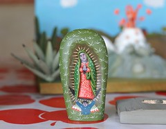 Oaxaca Mexico Guadalupe Wood Carving (Ilhuicamina) Tags: gabinoreyes oaxaca mexico woodcarvings artesanias crafts folkart launion