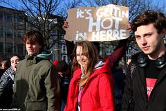 s6427_Errel2000_Klimaatmars (Errel 2000 Fotografie) Tags: errel2000 denhaag klimaatmars scholieren spijbelen co2 protestmars protest staking scholierenstaking malieveld spandoeken leuzen aarde earth rutte roblangerak