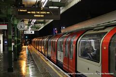IMG_7476-151218 (andrewcolebourne) Tags: london londonunderground transportforlondon centralline 1992stock train woodford station