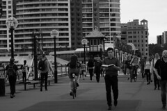 Pedestrian traffic on Darling Harbour (lizjakimow74) Tags: citypeople streetphotography pedestrians