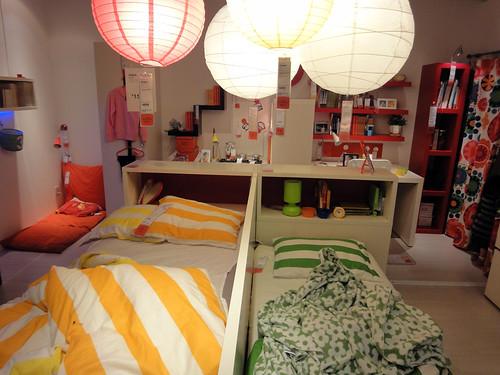 二人一緒の子供部屋レイアウトと題した写真