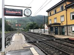 Estación de Ollargan (inigo.vanaman) Tags: lapeña ollargan station españa spain train tren estación bilbao c3 cercanias renfe