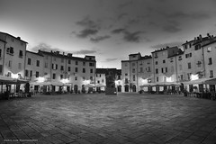 Before sunset in Lucca (Daryl Luk) Tags: lucca italy sunrise morning square blackandwhite tuscany summer quiet peaceful silent